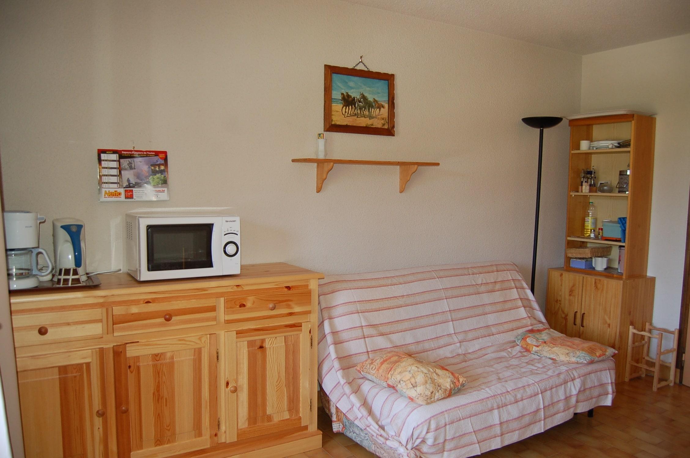 1 marechal coin salon - ANCELLE Studio 22m² + 5m² de véranda fermée et jardinet (4 couchages)