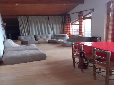 salon paquet - SAINT-LEGER-LES-MELEZES T2 DE 70 m²(7 COUCHAGES)
