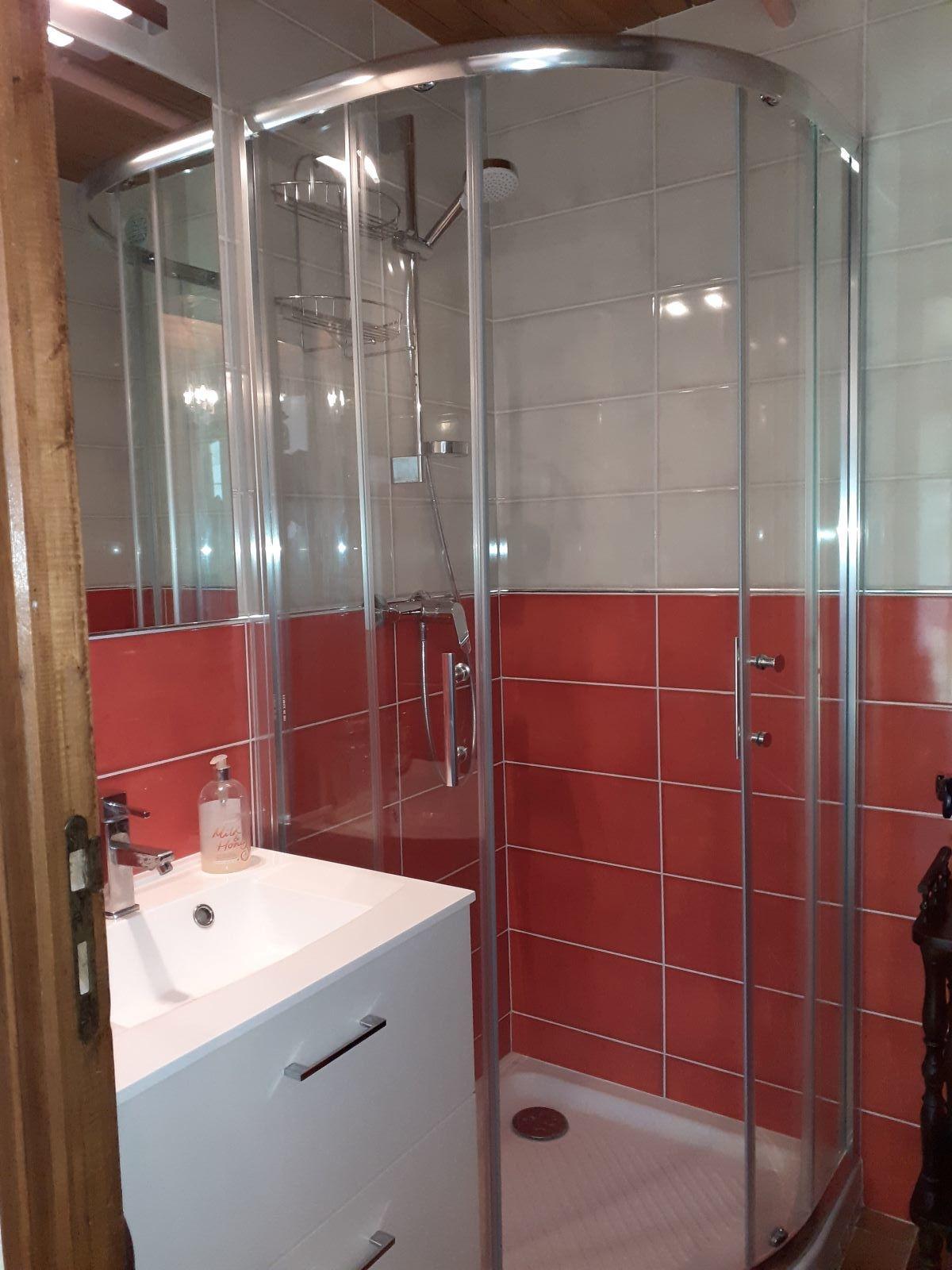20200717 105537 - ANCELLE T3 DE 35 m² (6 COUCHAGES) EN REZ-DE-CHAUSSÉE AVEC GRAND JARDIN