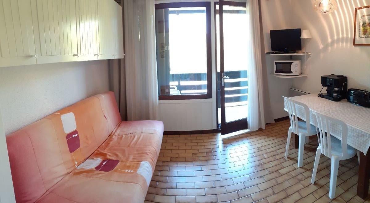 salon 1 1 - ANCELLE STUDIO DE 20 m² ( 4 COUCHAGES) AVEC BALCON