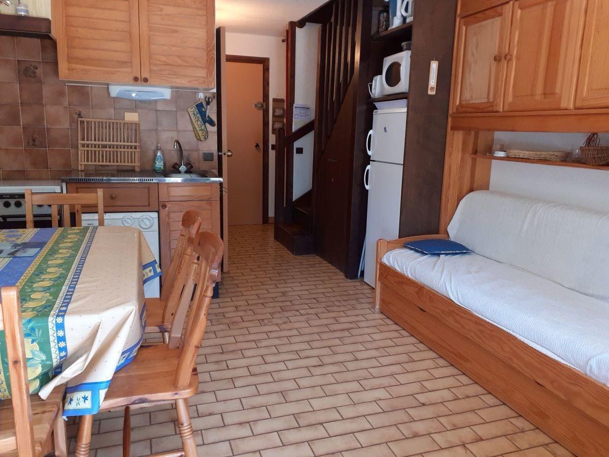 salon 6 - STUDIO DE 25 m² AVEC MEZZANINE DE 9 m² (6 COUCHAGES) AU CHATEAU D'ANCELLE