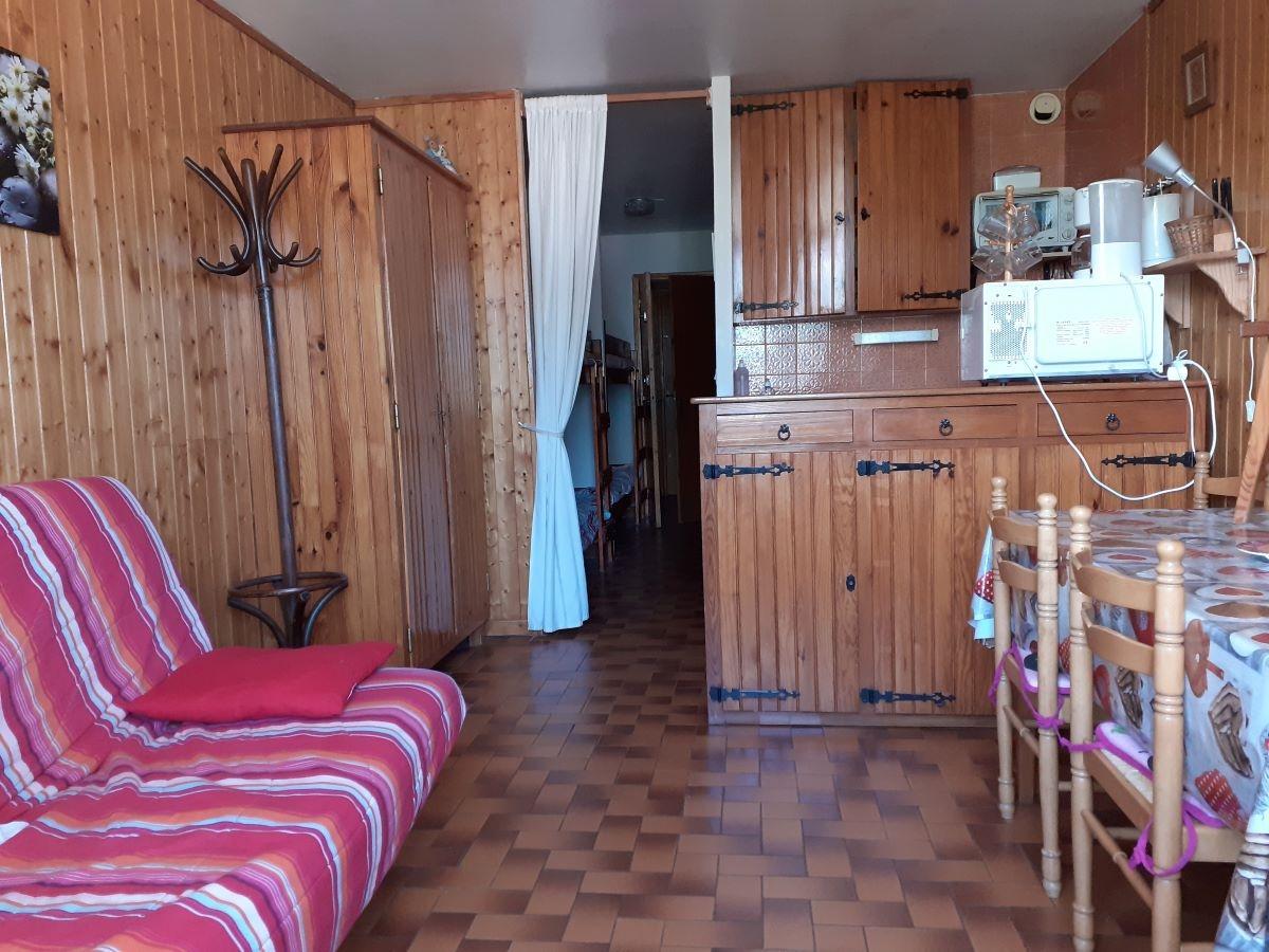 salon 7 - SAINT-LEGER-LES-MELEZES STUDIO DE 30 m² (6 COUCHAGES) AU PIED DES PISTES